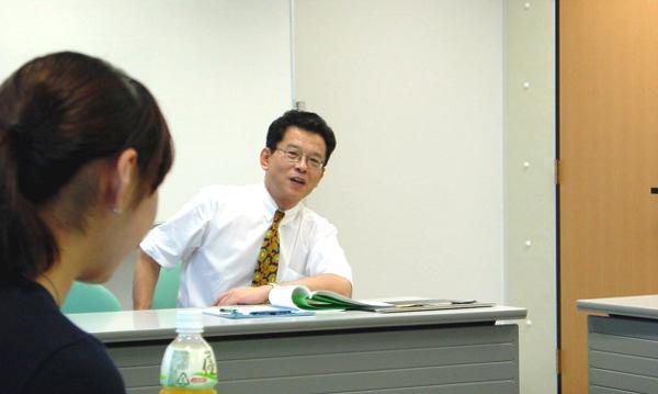 授業中の石橋幸治さんの授業(2000年当時)